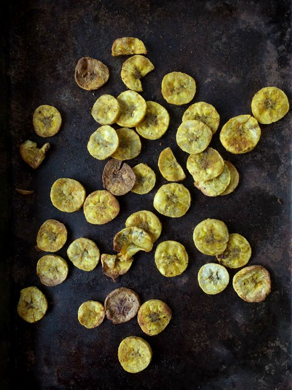 Paleo Curry Plantain Chips